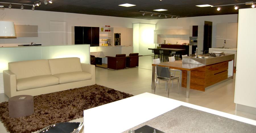 Arredamenti per interni, cucine, divani, sedie, tavoli, mobili per ...